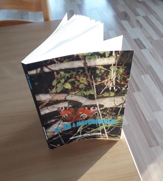 Billede af bogen Et år i naturhaven